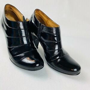 Sofft 7.5 M Womens Black Patent Leather Heeled Ankle Booties Shoes Cone Heel