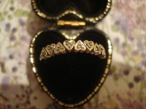 Very Pretty,Finely Crafted 9CT Gold: 9 Sparkling Diamonds Set Hearts Design Ring