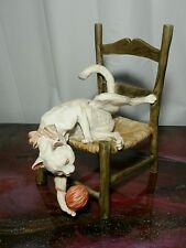 Giuseppe Armani #166-C  Cat on a chair with yarn ball