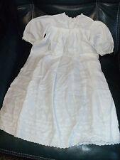 robe blanche enfant - devait etre robe de bapteme - coton avec motifs brodés