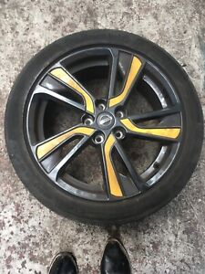 """Nissan Juke  18"""" Alloy Wheel with San Diego Yellow Coloured Insert And Tyre"""