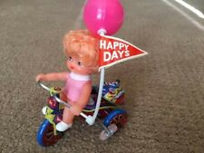 MTU Korea WIND-UP Litho Tin Tricycle with Little Girl