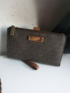 MICHAEL KORS WALLET | SHIPPING INCLUDED IN PRICE