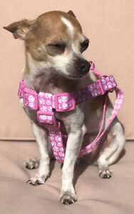 TOP PAW Step In Dog Adjustable Harness, white paw prints on pink - Sz M NWT