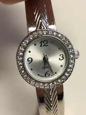 Working Ladies Silver Unbranded Bangle Watch CP