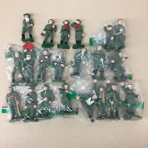 Hand Painted Traditional Style Toy Soldiers Set Green War Men Display AR171
