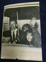 Wire Press Photo 1986 Arnold Schwarzenegger Maria Shriver wedding rehearsal Mass