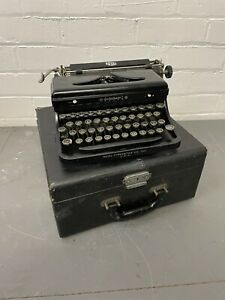 Vintage Antique Royal Model '0' Portable Typewriter + Case