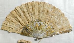 ANTIQUE MOTHER OF PEARL AND BRUSSELS HAND FAN