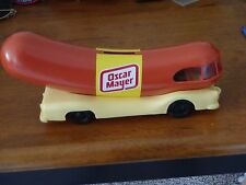 Oscar-Meyer-Weinermobile-Hot-Dog-Car-Bank-Vintage-Old-Food-Weiner-Advertising