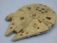 Vintage Star Wars Miniature Diecast Metal Millennium Falcon Starship Toy Figure