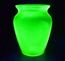 LOVELY LARGE VINTAGE RETRO GREEN GLASS URANIUM VASE CZECH BOHEMIAN ? 20cm x 15cm