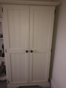 Aspace white childs wardrobe in almost perfect condition, hardly used!