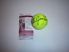 BILLIE JEAN KING TENNIS CHAMP JSA/COA SIGNED TENNIS BALL