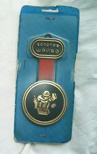 Old plastic souvenir badge Hockey Gold Puck Moscow 1989 USSR Russia