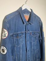 RARE Vintage Levis Denim Jean Trucker Jacket with Patches Mens Size XL