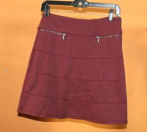 Athleta Womens Strata Skirt Sz SMALL  MAROON Pull On ...POCKETS