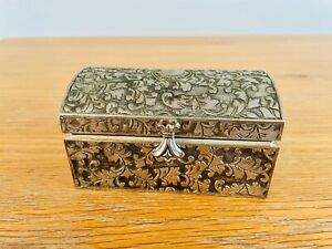 Small Silver Box - Arts and Crafts Pattern