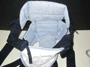 Infantino gogo rider Navy/Blue Plaid Baby Carrier gently used