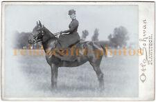 Elegante Dame zu Pferd (Sissi?). Original-Kabinett-Photo, um 1900