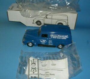 1951 GMC Panel Truck Bank Classic Motorbooks B-609 by ERTL