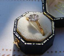 Un molto bello Anello Oro 18 KT con Daisy Fiore testa di SEVEN Diamonds