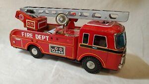 Vintage Yonezawa Fire Dept FD-11 Friction Tin Litho Fire Truck - Very Good!