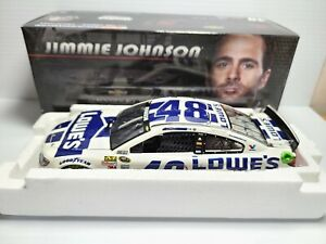 2014 Jimmie Johnson #48 Lowe's Valspar HMS Chevrolet 1:24 NASCAR Action MIB