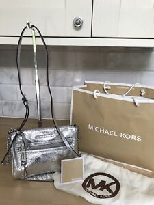 MICHAEL KORS SILVER METALLIC LEATHER CROSSBODY SHOULDER SIDE BAG SMALL STUNNING