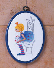 Permin  12-6127  Porte-Rouleaux WC Girl Toilet + Cadre  Point de Croix  Compté
