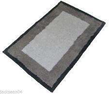 Serviettes, draps et gants de salle tapis de bain blanc