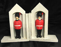 CHILDREN'S WOODEN HAND MADE FAIRTRADE SOLDIER BEEFEATER BOOK ENDS HAND PAINTED