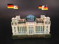 Berlin Reichstag Bundestag Germany Poly Modell,10 cm mit 4 Flaggen,Neu