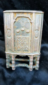 Antique Cast Iron Still Bank GE Radio Made By ARCADE