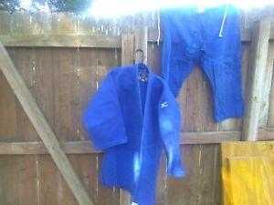 Mizuno Shiai Double Weave Judo Gi, Size 4. ( Big A3)