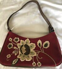 Liz Claiborne Deep Red Flower Applique Sac avec bracelet en cuir synthétique