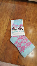 New Yaktrax Youth Girls Cabin Socks Cozy Warm Aloe Infused One Size Blue Pink