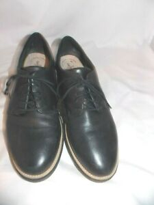 Women's Clarks Ultimate Comfort Collection Size 10 M EUC