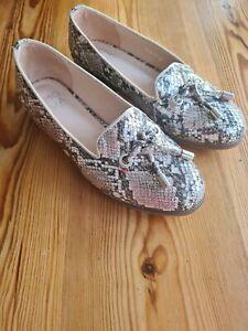 Moda In Pelle Elissy UK 3 Silver Snake Style In Tassel Loafer