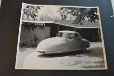 Vintage Photo RARE 1948 Davis Divan 3 Wheel Car at Home in Driveway 892017