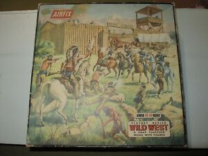 ORIGINAL 1960s  AIRFIX PLAYSET  FORT APACHE HO OO 1/72 EXCELLENT CONDITION LOOK!