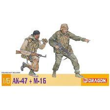 Dragon 75035 AK-47 & M-16 1/6 Kit Modellino in scala in plastica