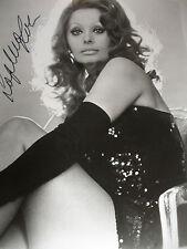 Sophia Loren hand Signed 8x10 Photo  AUTO  Italian Film Movie Actress