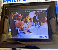 SLIGHTLY USED PHILIPS 8-INCH DIGITAL PHOTOFRAME