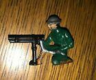 """VINTAGE 2 1/2"""" KNEELING ARMY MACHINE GUNNER LEAD SOLDIER"""