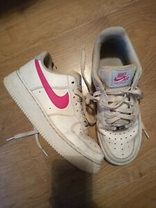 NIKE AIR FORCE 1 WHITE & PINK TRAINING SHOES SIZE UK 5.5