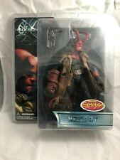 Mezco Hellboy Movie Series 1 Figure 2004 Horns and Jacket Previews Exclusive