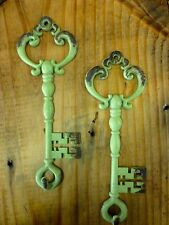"2 Green Antique-Style Metal Skeleton Key Wall Hooks 7"" jewelry vintage shabby"