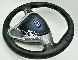 Verde Punto Perforata Volante IN Pelle Cover Per Ford Fiesta MK7 09-17