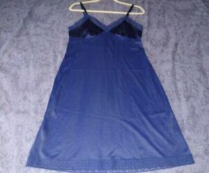 Vintage Full Slip VANITY FAIR SIZE 36 Navy Blue Lace Nylon USA Pin Up Retro Sexy